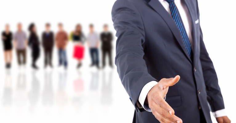 L'aspetto Di Un Venditore E La Sua Relazione Con Il Cliente
